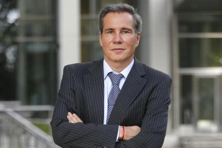 FISCAL FEDERAL CASO AMNIA - Dr. ALBERTO NISMAN. MUERTO DE UN BALZO AL CRANEO, 24 horas antes de su testimonio contra la Presidente de La Nacion Argentina